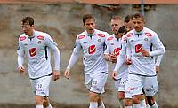 Fotball<br /> 7. Mai 2014<br /> Norgesmesterskap , menn<br /> Åsane - Sogndal<br /> Sogndal jubler for scoring , Ørjan Hopen (L) , Kristian Fardal Opseth (3R) , målscorer Tim Nilsen (2R) og Eirik Bergum Skaarsheim (R) , Sogndal <br /> Foto Astrid M. Nordhaug