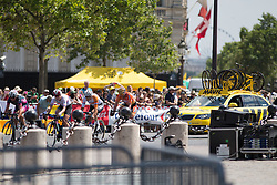 The breakaway approaches the Arc de Triomphe during the La Course, a 89 km road race in Paris on July 24, 2016 in France.