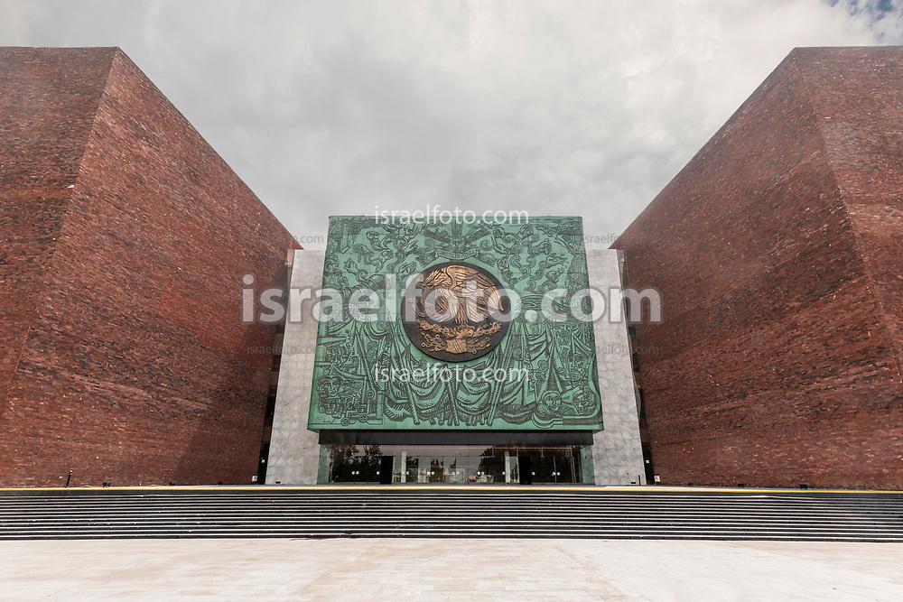 28 de agosto de 2020. Ciudad de México. Fachada del Palacio Legislativo de San Lázaro /  Facade of the San Lazaro legislative palace