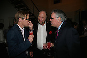 Tom Weldon, Ed Victor, U.S. Ambassador Robert Tuttle, Party hosted by Sir Richard and Lady Ruth Rogers at their house in Chelsea  to celebrate the extraordinary achievement of completing this year's Pavilion  by Olafur Eliasson and Kjetil Thorsenat at the Serpentine.  13 September 2007. -DO NOT ARCHIVE-© Copyright Photograph by Dafydd Jones. 248 Clapham Rd. London SW9 0PZ. Tel 0207 820 0771. www.dafjones.com.