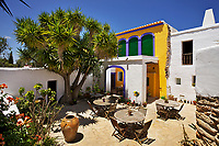01/Julio/2013 Ibiza. Sant Joan<br /> Agroturismo Ca n'Escandell. <br /> Patio<br /> <br /> ©JOAN COSTA