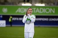 BILDET INNGÅR IKKE I FASTAVTALER. ALL NEDLASTING BLIR FAKTURERT.<br /> <br /> Fotball<br /> Tyskland<br /> Foto: imago/Digitalsport<br /> NORWAY ONLY<br /> <br /> 14.10.2015<br /> Fußball, UWCL, VfL Wolfsburg - ZFK Spartak Subotica; Caroline Graham Hansen (Wolfsburg, 26) bedankt sich bei Fans