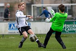 06-04-2019 NED: VVIJ - Maarssen O13-2, IJsselstein<br /> Maarssen beats VVIJ fairly easily. After a 2-0 halftime score it finally became 7-1 for Maarssen. Brent assist for 2-0