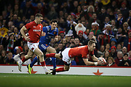 Liam Williams of Wales scores his teams 1st try. Wales v France, NatWest 6 nations 2018 championship match at the Principality Stadium in Cardiff , South Wales on Saturday 17th March 2018.<br /> pic by Andrew Orchard, Andrew Orchard sports photography