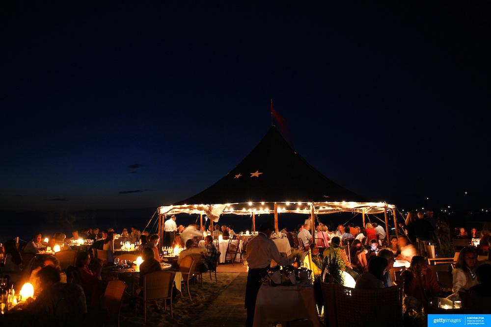 Patrons at Galley Beach beachside restaurant, Nantucket,  Nantucket Island, Massachusetts, USA. Photo Tim Clayton