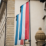 LUX/Luxemburg/20190504 - Funeral of HRH Grand Duke Jean/Uitvaart Groothertog Jean, Vlag van het land Luxemburg met rouwvaandel