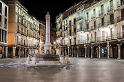 Plaza del Torico by night, Teruel, Aragon, Spain