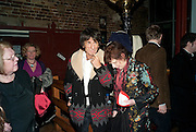 RONNIE WOOD, Gala performance of  RUBY WAX- LOSING IT  in aid of  Comic Relief. Menier Theatre. London. 23 February 2011. -DO NOT ARCHIVE-© Copyright Photograph by Dafydd Jones. 248 Clapham Rd. London SW9 0PZ. Tel 0207 820 0771. www.dafjones.com.