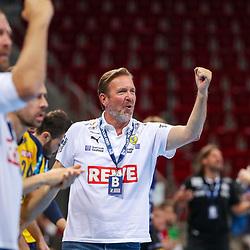 Handball, 35. Spieltag: Bergischer HC vs Rhein Neckar Loewen am 16.06.2021 im ISS Dome Düsseldorf<br /> <br /> Trainer Martin Schwalb (Rhein Neckar Loewen) jubelt  im Spiel der Handballliga, Bergischer HC - Rhein Neckar Loewen.<br /> <br /> Foto © PIX-Sportfotos *** Foto ist honorarpflichtig! *** Auf Anfrage in hoeherer Qualitaet/Aufloesung. Belegexemplar erbeten. Veroeffentlichung ausschliesslich fuer journalistisch-publizistische Zwecke. For editorial use only.