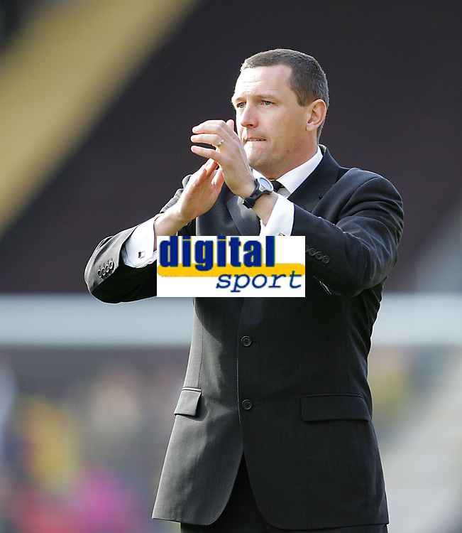 Photo: Lee Earle.<br /> Watford v Ipswich Town. Coca Cola Championship. 17/04/2006. Watford manager Adrian Boothroyd celebrates at the end of the game.