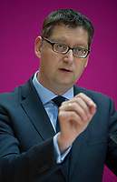 DEU, Deutschland, Germany, Berlin, 29.09.2014: <br /> Der stellvertretende SPD-Vorsitzende Thorsten Schäfer-Gümbel bei einer Pressekonferenz im Willy-Brandt-Haus.