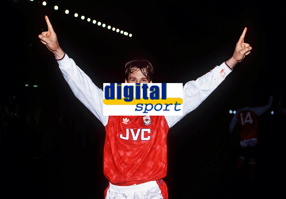 Fotball <br /> 06.05.91<br /> Arsenal v Manchester United<br /> Paul Merson celebrates the Championship title<br /> DIGITALSPORT / NORWAY ONLY