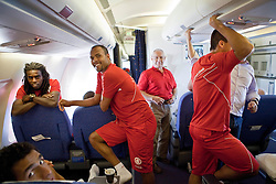 Jogadores do S.C. Internacional durante batucada dentro do aviao. O S.C. Internacional participa de 8 a 18 de dezembro do Mundial de Clubes da FIFA, em Abu Dhabi. FOTO: Jefferson Bernardes/Preview.com