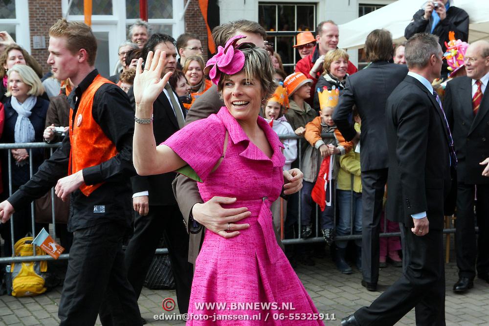 NLD/Makkum/20080430 - Koninginnedag 2008 Makkum, Laurentien en Constantijn