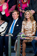 Koning Willem-Alexander en koningin Maxima wonen het bevrijding concert ( 5 mei concert ) bij op de Amstel in Amsterdam<br /> <br /> King Willem-Alexander and Queen Maxima of The Netherlands attends the liberation concert at the Amstel in Amsterdam<br /> <br /> Op de foto / On the photo:  Koning Willem-Alexander en koningin Maxima