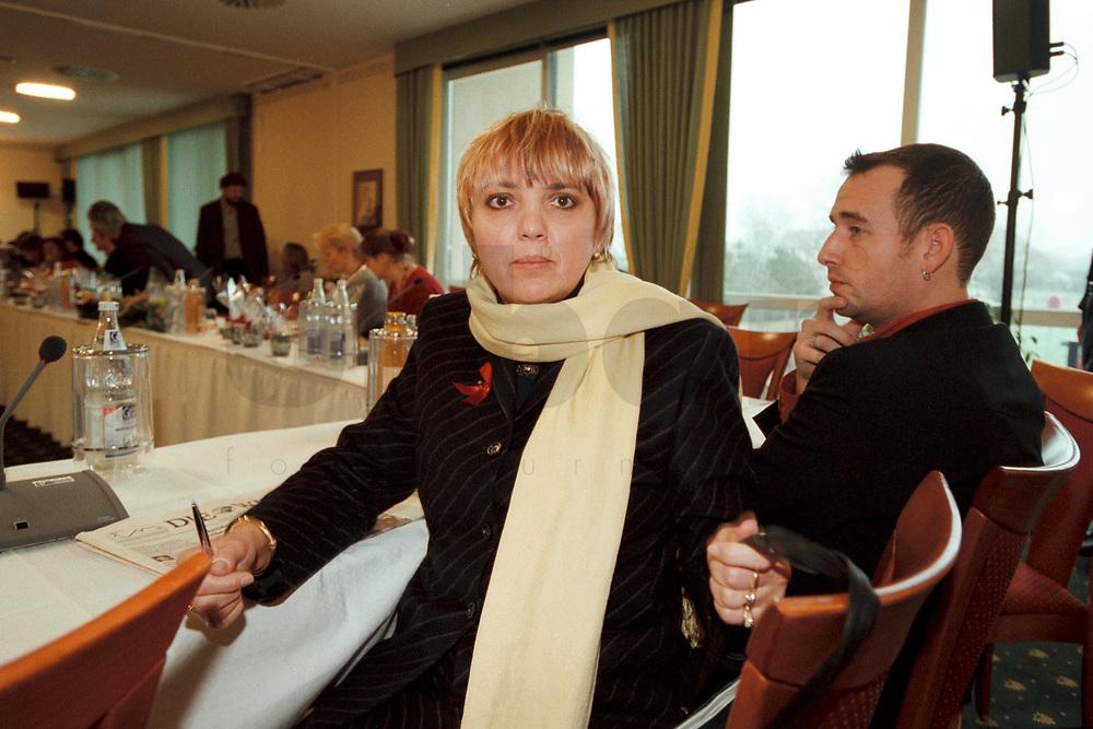 12 JAN 2001, WOERLITZ/GERMANY:<br /> Claudia Roth, MdB, B90/Gruene, Klausurtagung der Bundestagsfraktion Buendnis 90 / Die Gruenen<br /> IMAGE: 20010112-01/02-31<br /> KEYWORDS: Klausur, Grüne