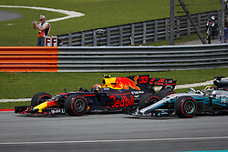 October 1, 2017 - Sepang, Malaysia - Motorsports: FIA Formula One World Championship 2017, Grand Prix of Malaysia, ..#33 Max Verstappen (NLD, Red Bull Racing), #44 Lewis Hamilton (GBR, Mercedes AMG Petronas F1 Team) (Credit Image: © Hoch Zwei via ZUMA Wire)