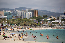 © Licensed to London News Pictures.  29/06/2021. Magaluf, Spain. Mostly German holidaymakers enjoy the sunshine and beaches in Magaluf. Balearic Islands will go on the UK 'green list' from tomorrow, 4am. Prime Minister of Spain, Pedro Sanchez announced the new rules for Brits coming to Mallorca, Ibiza and other Balearic Islands. Brits willing to visit must have show a proof of vaccination or negative PCR test. Photo credit: Marcin Nowak/LNP