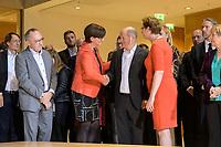 26 OCT 2019, BERLIN/GERMANY:<br /> Norbert Walter-Borjans, SPD, Landesminister a.D., Saskia Esken, MdB, SPD,  Olaf Scholz, SPD; Bundesfinanzminister, und Klara Geywitz, SPD Brandenburg, wahrend der Bekanntgabe der SPD-Mitgliederbefragung  zur Wahl des neuen Parteivorsitzes, Willy-Brandt-Haus<br /> IMAGE: 20191026-01-018<br /> KEYWORDS: Verkündung, Gratulation, Handshake