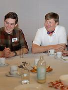 Zijne Majesteit Koning Willem-Alexander, Hare Majesteit Koningin Máxima hebben zaterdag 10 maart deelgenomen aan NLdoet van het Oranje Fonds. Het is de 14e keer dat het Oranje Fonds de grootste vrijwilligersactie van Nederland organiseert. Koning Willem-Alexander, Koningin Máxima hebben in 't Hofland in Pijnacker samen met vrijwilligers een lunch verzorgd voor ouderen en oudhollandse spelletjes met hen gespeeld.<br /> <br /> His Majesty King Willem-Alexander, Her Majesty Queen Máxima took part in NLdoet of the Oranje Fonds on Saturday 10 March. It is the 14th time that the Oranje Fonds organizes the largest volunteer action in the Netherlands. King Willem-Alexander, Queen Máxima in 't Hofland in Pijnacker, together with volunteers, provided lunch for the elderly and played Old Dutch games with them.