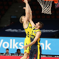 #5 Niels Giffey von Alba Berlin  , #3 Braydon Hobbs von Baskets Oldenburg <br /> Basketball, nph0001 1.Bundesliga BBL-Finalturnier 2020.<br /> Halbfinale Spiel 2 am 24.06.2020.<br /> <br /> Alba Berlin vs EWE Baskets Oldenburg <br /> Audi Dome<br /> <br /> Foto: Christina Pahnke / sampics  / POOL / nordphoto<br /> <br /> National and international News-Agencies OUT - Editorial Use ONLY