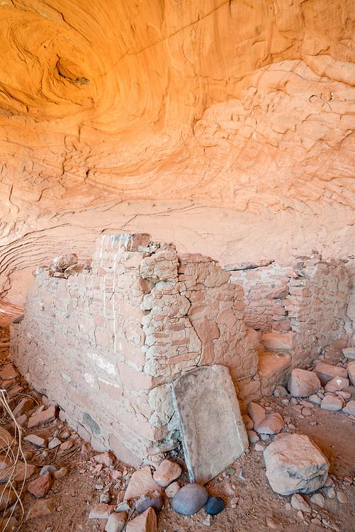 Cliff dwelling, Navajo Nation (Utah).