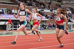 30-07-2011 ATLETIEK: NK OUTDOOR: AMSTERDAM<br /> (L-R) Marit Dopheid, Eva Lubbers, Madiea Ghafoor series 200 meter vrouwen<br /> ©2011-FotoHoogendoorn.nl / Peter Schalk