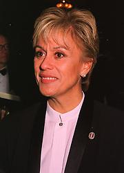 Opera singer DAME KIRI TE KANAWA, at a dinner in Berkshire on 19th November 1998.MME 117