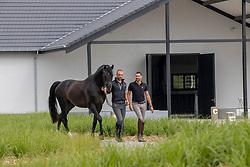 Quinten Begijnhoeve, van Puyenbroek Rob, Visser Tommy<br /> Stal De Begijnhoeve 2.0 - Mol 2020<br /> © Hippo Foto - Dirk Caremans<br /> 24/07/2020