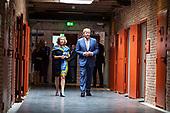 Koning Willem-Alexander opent het Nationaal Monument Oranjehotel
