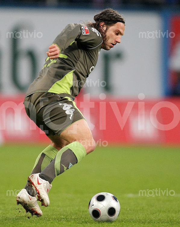 FUSSBALL     1. BUNDESLIGA     SAISON 2007/2008   29. SPIELTAG Hansa Rostock - SV Werder Bremen                             15.04.2008 Torsten FRINGS (SV Werder Bremen), Einzelaktion am Ball