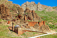 Ancient hill fort next to the  the Ishak Pasha Palace (Turkish: İshak Paşa Sarayı) ,  Ağrı province of eastern Turkey. .<br /> <br /> If you prefer to buy from our ALAMY PHOTO LIBRARY  Collection visit : https://www.alamy.com/portfolio/paul-williams-funkystock/ishak-pasha-palace-turkey.html<br /> <br /> Visit our TURKEY PHOTO COLLECTIONS for more photos to download or buy as wall art prints https://funkystock.photoshelter.com/gallery-collection/3f-Pictures-of-Turkey-Turkey-Photos-Images-Fotos/C0000U.hJWkZxAbg