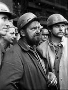 Hutnicy z Huty im Lenina podczas potkania z gen Jaruzelskim.  Kraków.,1982 rok.