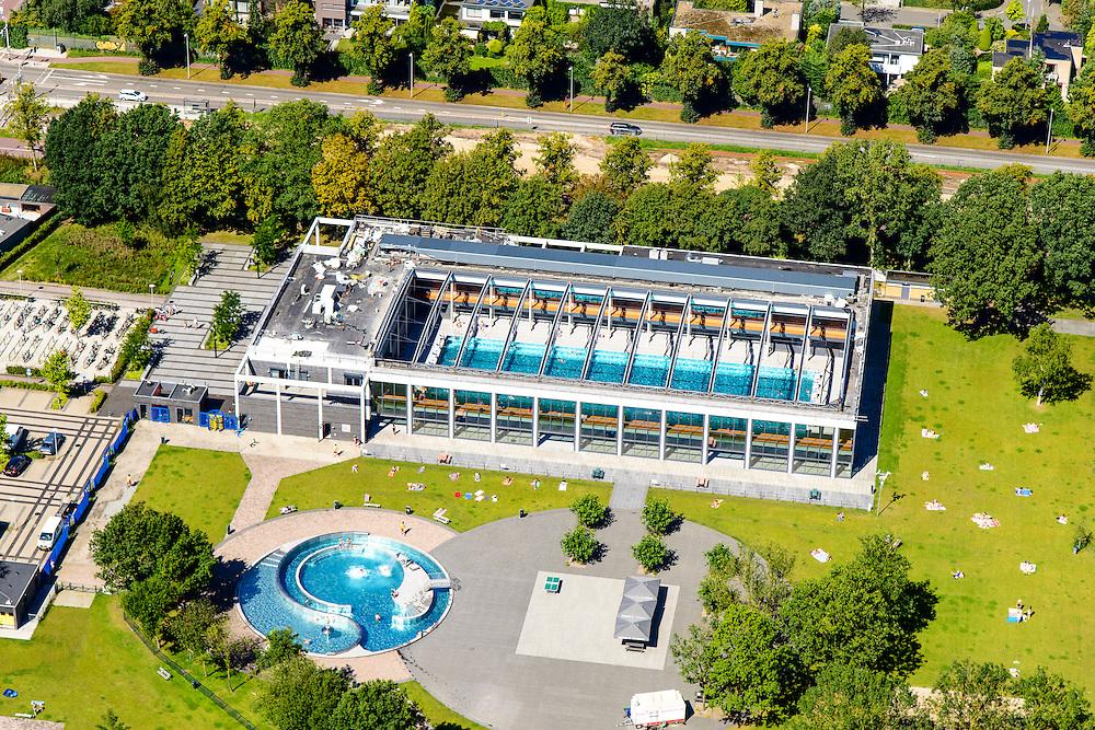 Nederland, Utrecht, Utrecht, 23-08-2016; Zwembad De Krommerijn.-<br /> Swimming pool.<br /> aerial photo (additional fee required);<br /> copyright foto/photo Siebe Swart