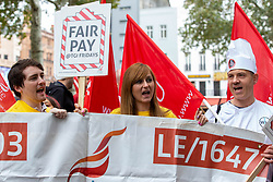 October 4, 2018 - London, London, United Kingdom - Workers from some branches of TGI Fridays, Macdonalds and 2 branches of JD Weatherspoons stage a 24 Hour strike over pay and insecure working. They are demanding better conditions and a £10 per hour minimum wage..Hospitality workers strike, London, UK-4 Oct 2018. London. (Credit Image: © Mark Thomas/i-Images via ZUMA Press)