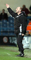 Fotball<br /> Championship England 2004/05<br /> Queens Park Rangers v Crewe<br /> 28. desember 2004<br /> Foto: Digitalsport<br /> NORWAY ONLY<br /> QPR boss Ian Holloway shouts his orders