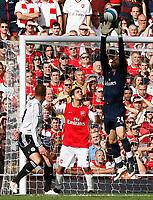 Photo: Steve Bond.<br />Arsenal v Derby County. The FA Barclays Premiership. 22/09/2007. Keeper Manual Almunia safely gathers