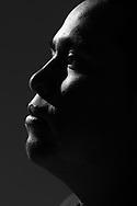 Retrato de Israel Ñonthe Paredes, vocales y animador, miembro del colectivo Memda.