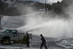 29.11.2017, Beaver Creek, USA, FIS Weltcup Ski Alpin, Beaver Creek, Abfahrt, Herren, 1. Training, im Bild Schneeproduktion // snowmaking in action during the 1st practice run of men's Downhill of FIS Ski Alpine World Cup Beaver Creek, United Staates on 2017/11/29. EXPA Pictures © 2017, PhotoCredit: EXPA/ Erich Spiess