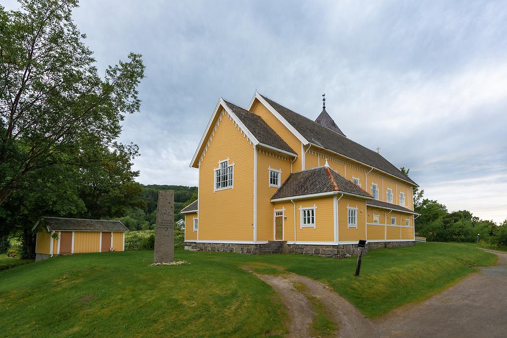 Leiranger kirke er en langkirke fra 1911 i Steigen kommune, Nordland fylke. Den hører til Leiranger sogn i Salten prosti.