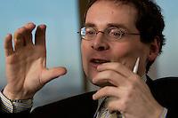 10 JAN 2005, BERLIN/GERMANY:<br /> Roger Koeppel, Chefredakteur der Tageszeitung Die Welt, waehrend einem Interview, in seinem Buero, Axel-Springer-Haus<br /> IMAGE: 20050110-02-021<br /> KEYWORDS: Roger Köppel