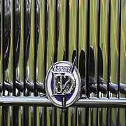The emblem on a 1932 Stutz DV32 at the Greenwich Concours d'Elegance Festival of Speed and Style featuring great classic vintage cars. Roger Sherman Baldwin Park, Greenwich, Connecticut, USA.  2nd June 2012. Photo Tim Clayton