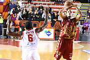 DESCRIZIONE : Roma Campionato Lega A 2013-14 Acea Virtus Roma Umana Reyer Venezia<br /> GIOCATORE : Andre Smith<br /> CATEGORIA : three points<br /> SQUADRA : Umana Reyer Venezia<br /> EVENTO : Campionato Lega A 2013-2014<br /> GARA : Acea Virtus Roma Umana Reyer Venezia<br /> DATA : 05/01/2014<br /> SPORT : Pallacanestro<br /> AUTORE : Agenzia Ciamillo-Castoria/M.Simoni<br /> Galleria : Lega Basket A 2013-2014<br /> Fotonotizia : Roma Campionato Lega A 2013-14 Acea Virtus Roma Umana Reyer Venezia<br /> Predefinita :