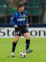 Javier Zanetti (Inter) <br /> Milano 20/10/2009 Stadio Giuseppe Meazza San Siro<br /> Inter Dinamo Kiev 2-2 - Uefa Champions League 2009-2010 - Match Day 3.<br /> Foto Giorgio Perottino / Insidefoto