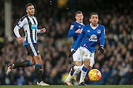 Aaron Lennon (Everton) watches as the ball rebounds back off the keeper, having made the save during the Barclays Premier League match between Everton and Newcastle United at Goodison Park, Liverpool, England on 3 February 2016. Photo by Mark P Doherty.
