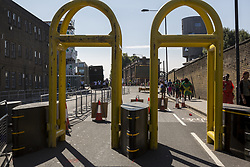 August 27, 2017 - London, England, United Kingdom - Unusual security measures are taken by Metropolitan Police to safeguard first day of Notting Hill Carnival in London, UK on August 27, 2017. Big number of officers and security barriers are taking care of public.  Carnival as usual attracted thousands of people. (Credit Image: © Dominika Zarzycka/NurPhoto via ZUMA Press)