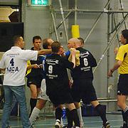 ZVV Hilversum - FC Marlene, vechtpartij door Roy van de Mye