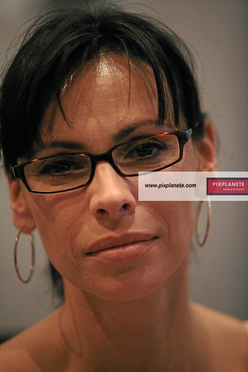 Mathilda May - Salon du livre - Paris, le 25/03/2007 - JSB / PixPlanete