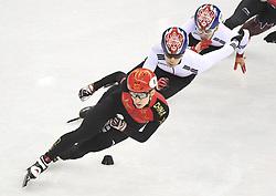 PYEONGCHANG, Feb. 22, 2018  Wu Dajing (bottom) of China competes during men's 500m final of short track speed skating at the 2018 PyeongChang Winter Olympic Games at Gangneung Ice Arena, Gangneung, South Korea, Feb. 22, 2018. Wu Dajing claimed gold medal in a time of 0:39.584 and set new world record. (Credit Image: © Ju Huanzong/Xinhua via ZUMA Wire)