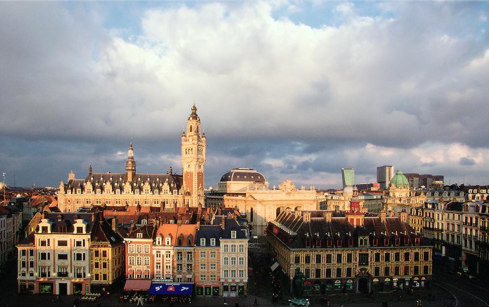 """Town Center of Lille, Chamber of commerce and industry, the """"Vieille Bourse"""", Nord-Pas-de-Calais region, France.<br /> Vue du centre ville de Lille, Chambre de Commerce et d'Industrie, la Vieille Bourse, région de Nord-Pas-de-Calais, France."""
